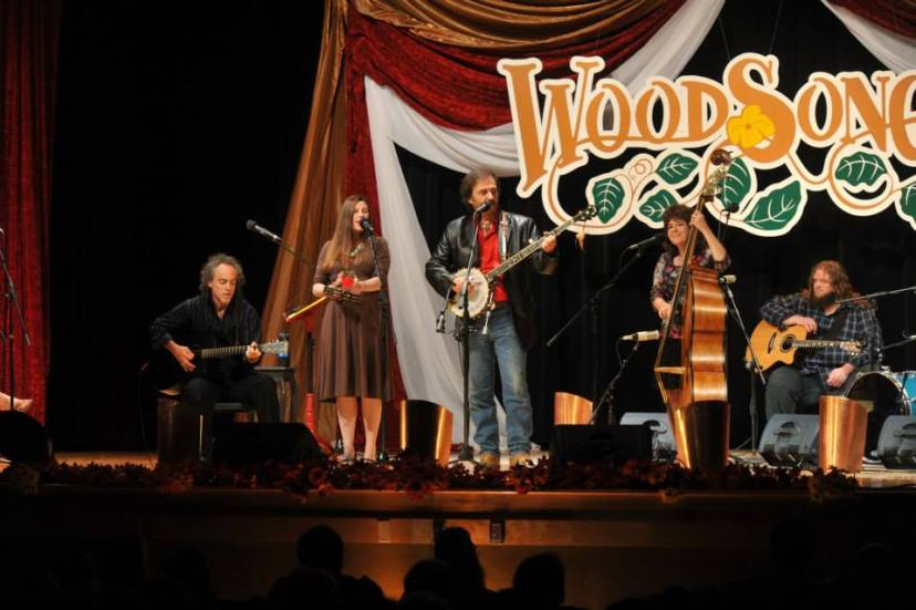 Image courtesy of Woodsongs dot com and Michael Johnathon. Photo by Larry Neuzel.